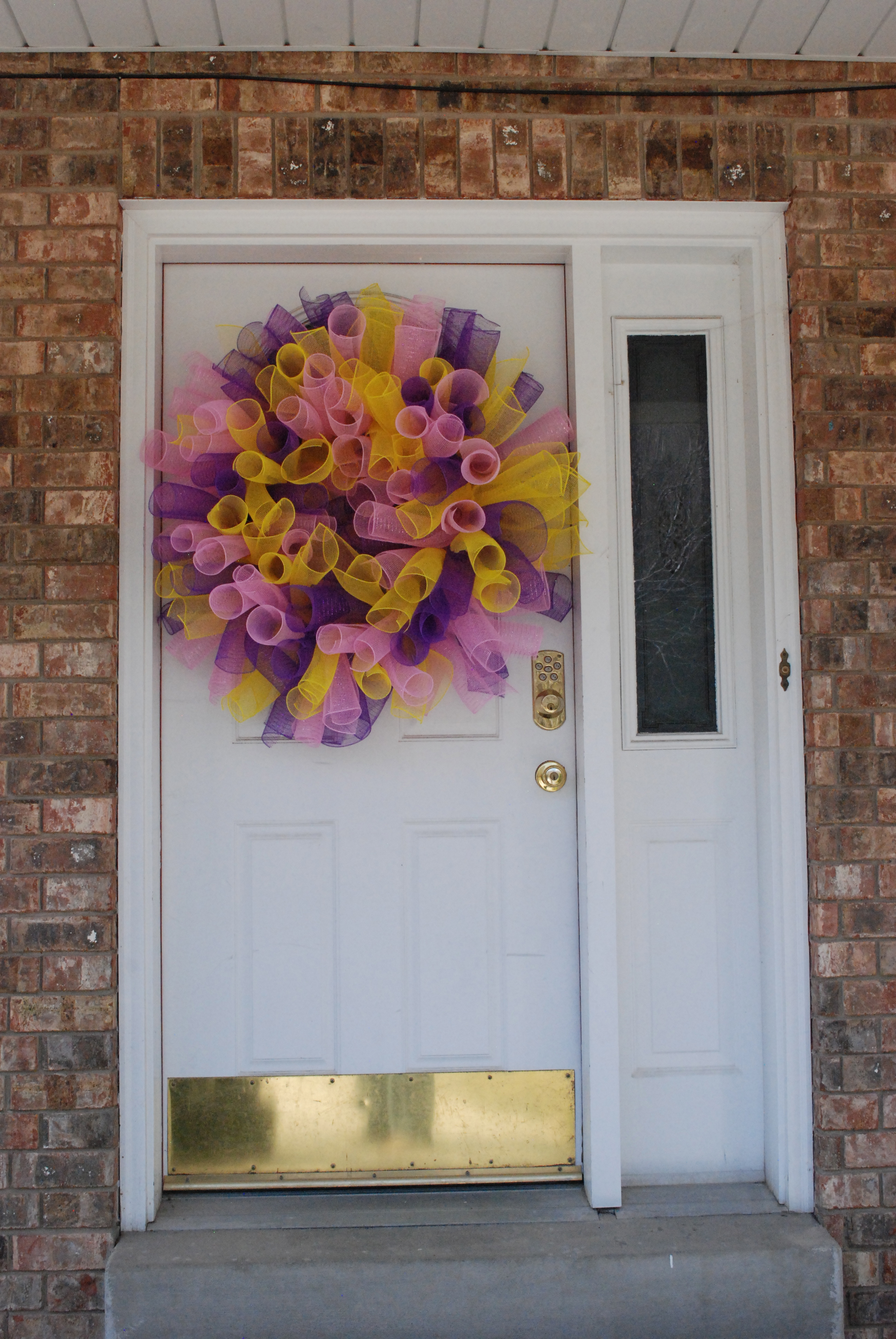 Spring Mesh Wreath │madefrompinterest.net     I just made this #wreath this weekend and it is easier than you think!