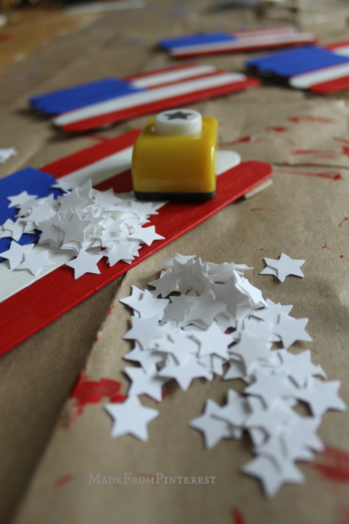 Kids American Flag Craft stars MadeFromPinterest