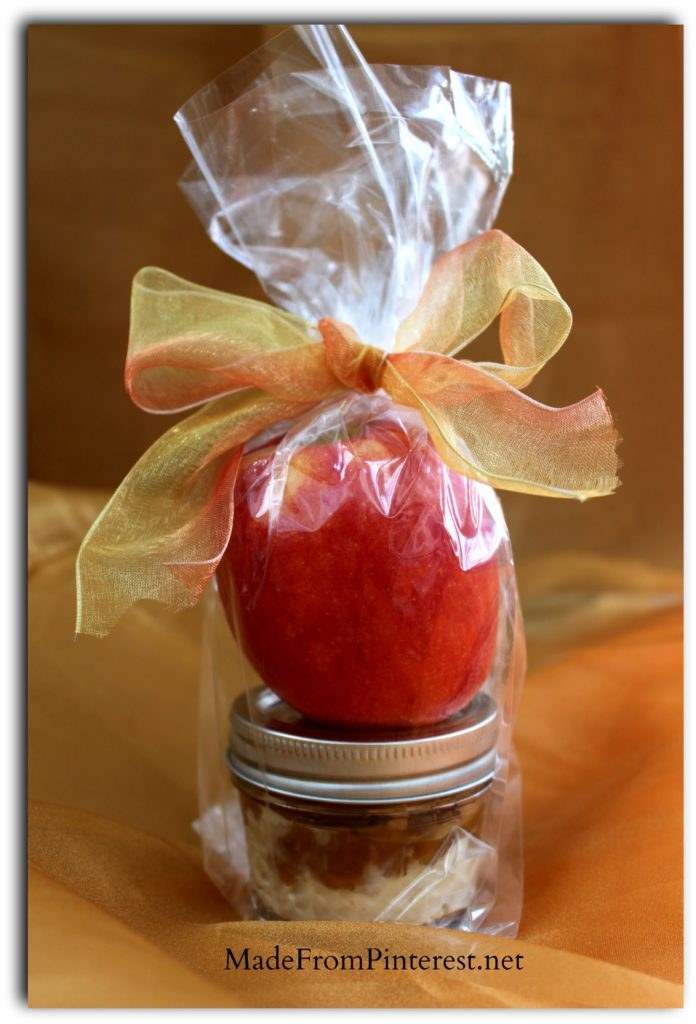 I am thinking school lunch, thank you gift, hostess gift, teacher gift, and eat it myself! Individual Caramel Cream Cheese App