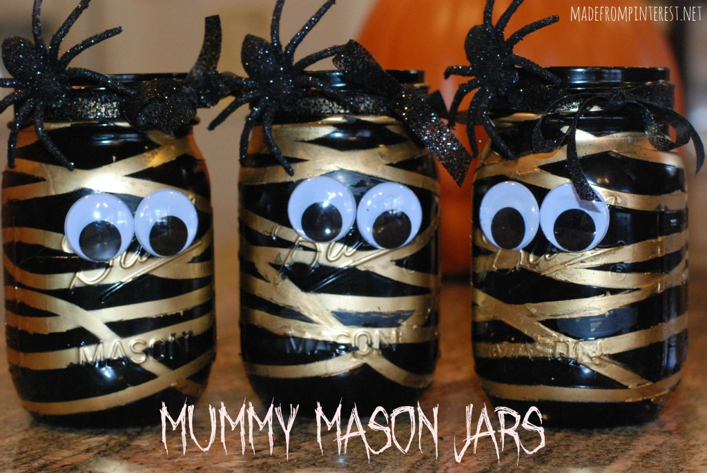 Aren't these adorable? Super easy to make - Mummy Mason Jars! madefrompinterest.net