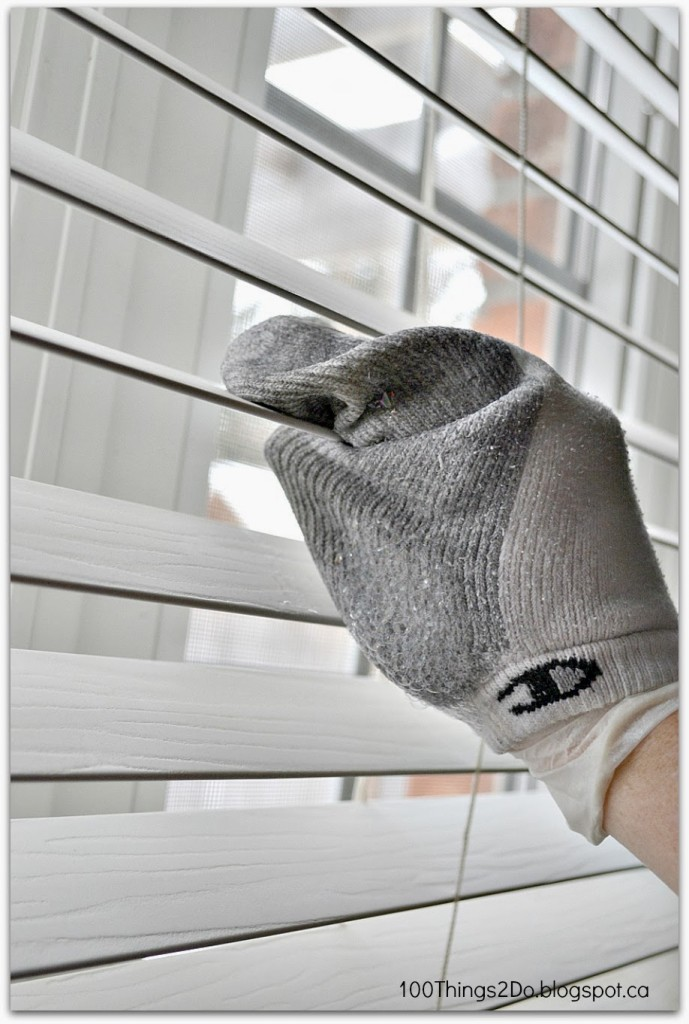 Cleaning Blinds06
