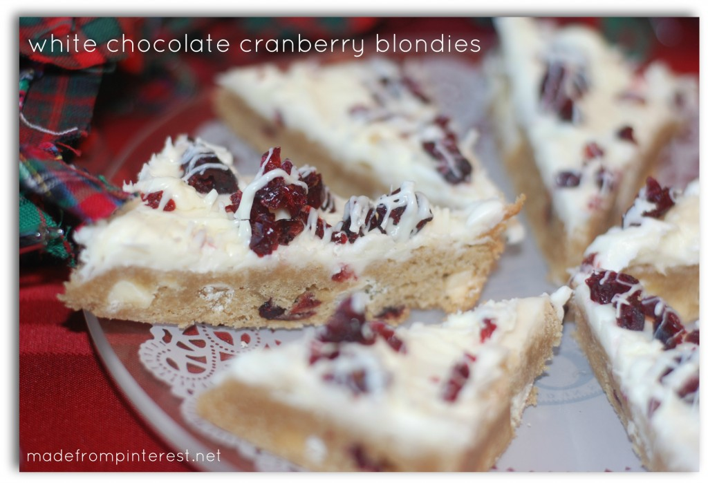 Similiar to Starbuck's Cranberry Bliss Cookies, these White Chocolate Cranberry Blondies are amazing! madefrompinterest.net