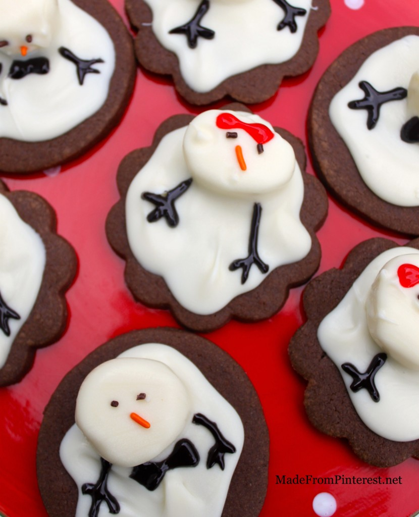 These Melting Snowman Cookies are going on my holiday plate!