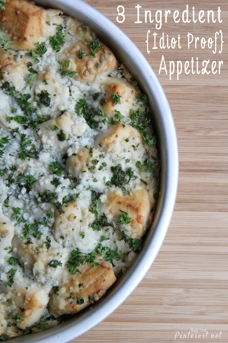 """3 Ingredient {Idiot Proof} Appetizer - I was a little afraid to test this in case I wouldn't pass the """"idiot test"""". Threw it together in about 15 minutes and it was AMAZING! Your guests and family are going to LOVE, LOVE, LOVE it! I guess this means I'm a genius after all! #Appetizer #Bread"""