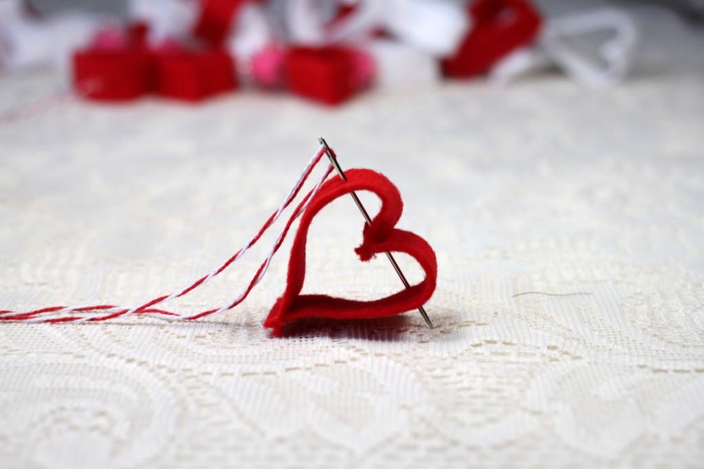 Felt Heart Garland Stitching it Together