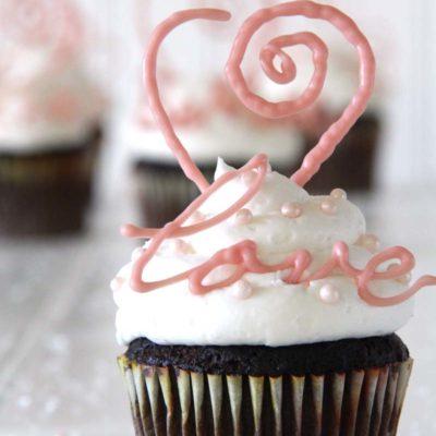 Quick Valentine's Day Idea – DIY Chocolate Cupcake Toppers!
