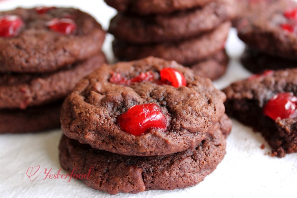 Yesterfood double chocolate cherry cookies