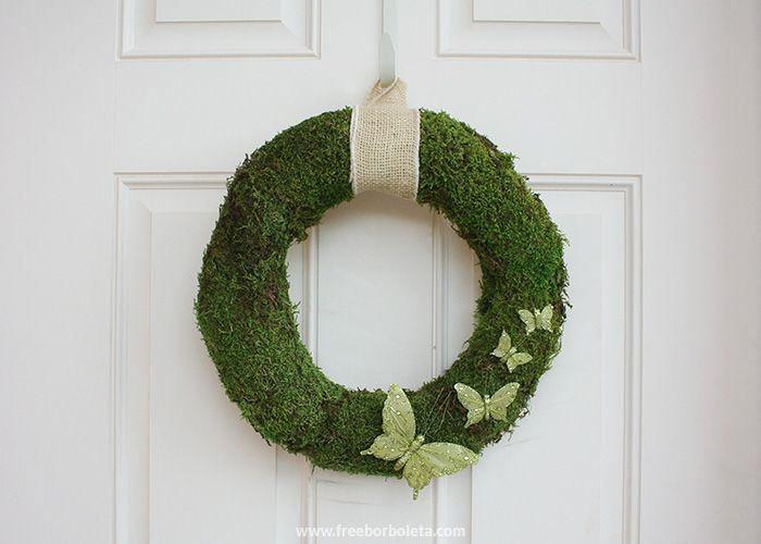 spring-moss-wreath