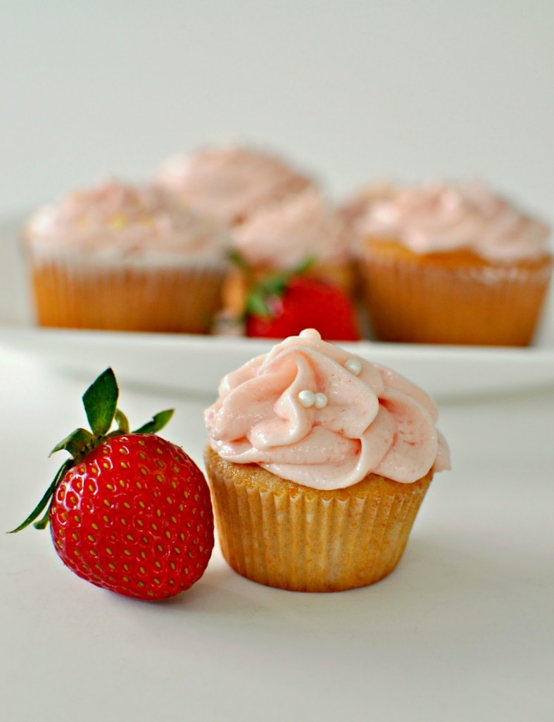 Mini Strawberry Cupcake