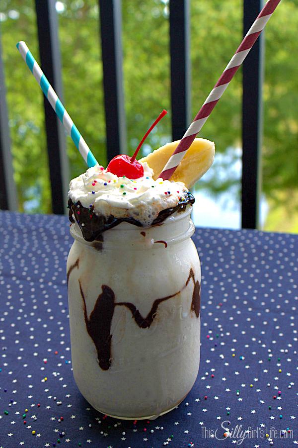 Banana-Split-Milkshake
