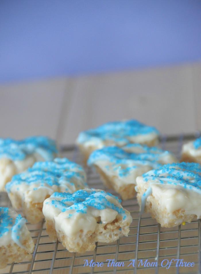 Blue-Rice-Crispy-Treats