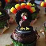 Oreo-Turkey-Cupcakes-are-perfect-for-bake-sales-and-class-parties