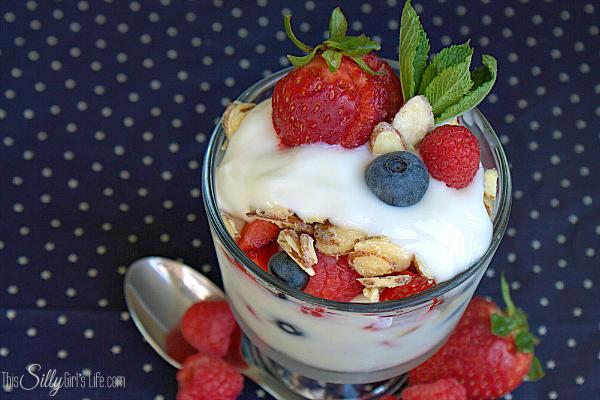 Triple-Berry-Yogurt-Parfait