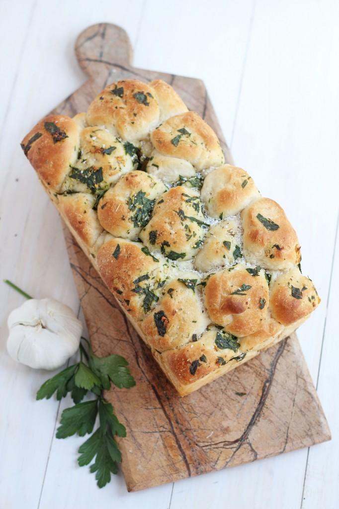 Pull-Apart-Garlic-Bread