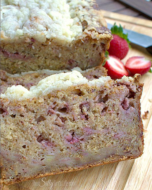 Streusel-strawberry-banana-bread