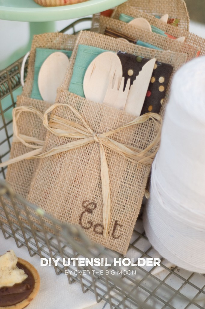 How To Put Burlap Ribbon On A Cake