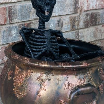 Easy Rusty Crusty Halloween Cauldron