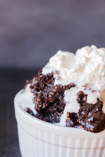 Easy Chocolate Molten Lava Cake - Comfort food from your crock pot!