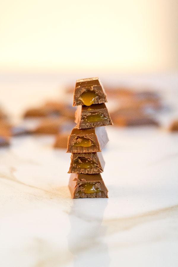 Lindt-Chocolat-Caramel-Bar-Stacked