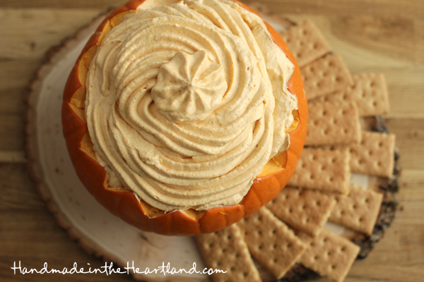 Pumpkin-Pie-Dip-and-Graham-Crackers