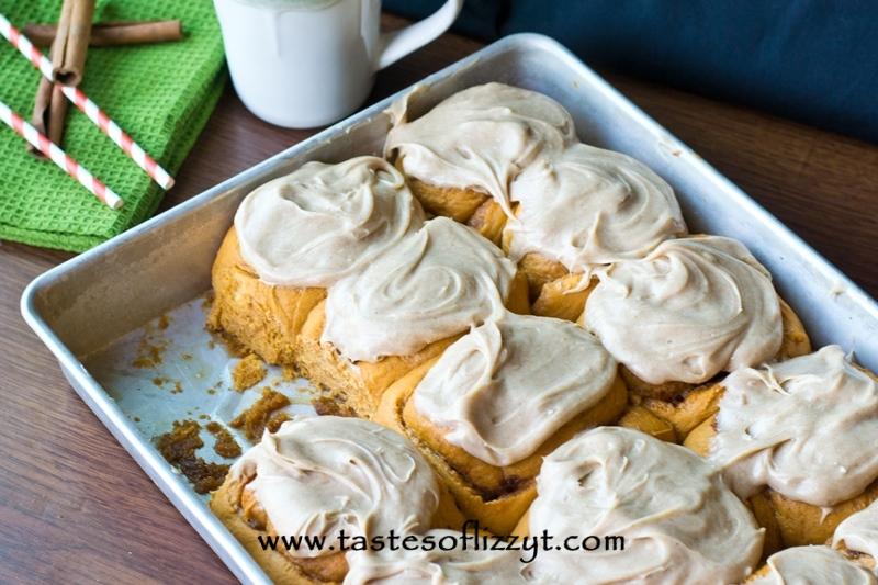 Pumpkin-Pudding-Rolls