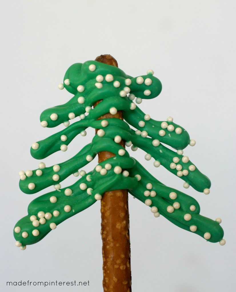 These Pretzel Christmas Trees are so easy and fun to make with your kids!