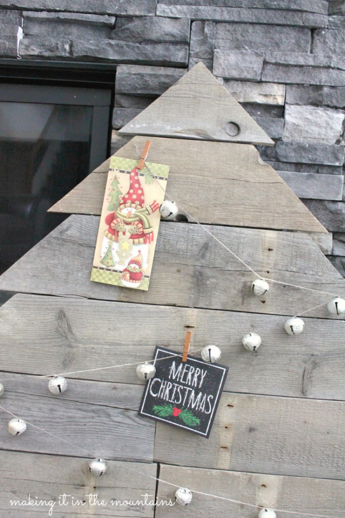 Pallet-Wood-Christmas-Card-Tree