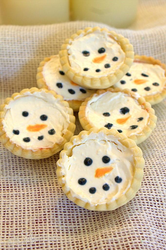 Snowman-Cherry-Cheesecake-Minis