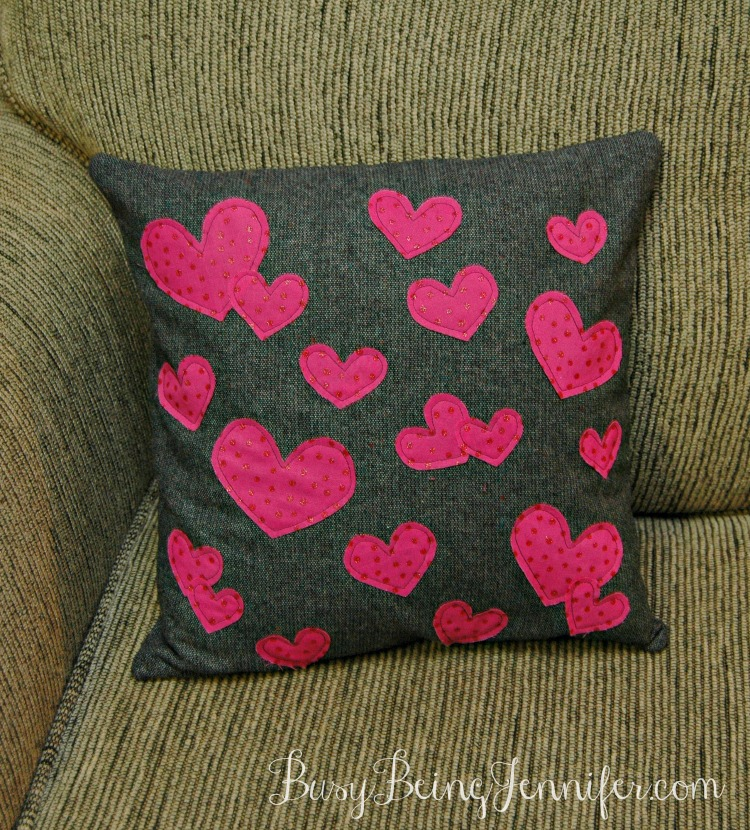 Sparkly-Heart-Pillow
