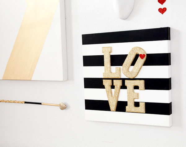Stripe-Glitter-Valentine-Canvas