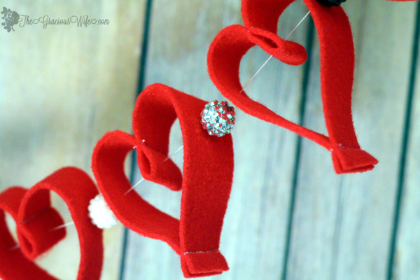 heart-bead-Valentine-garland