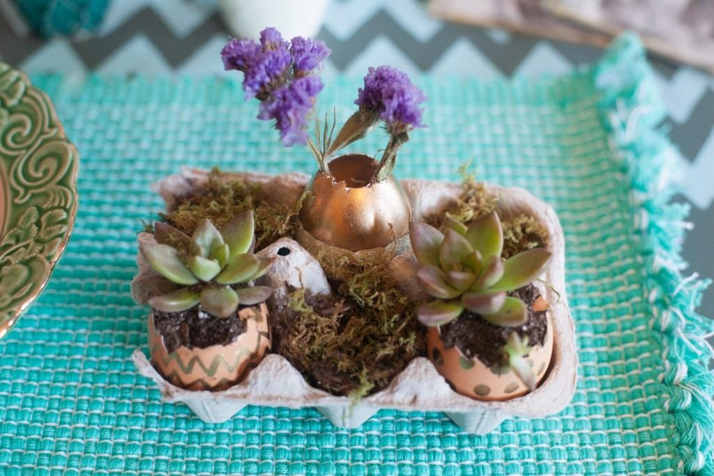 1-Eggshell_Planters