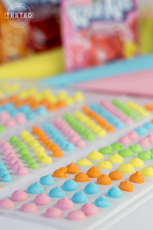 Candy Dots with Kool-Aid - This is a fun, quick and easy treat. Only 3 ingredients needed, no cooking required, this will keep the kiddos entertained for a few hours.