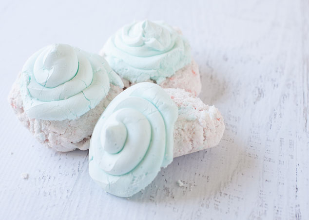Fizzy-Cupcake-Bath-Bomb-Recipe-1