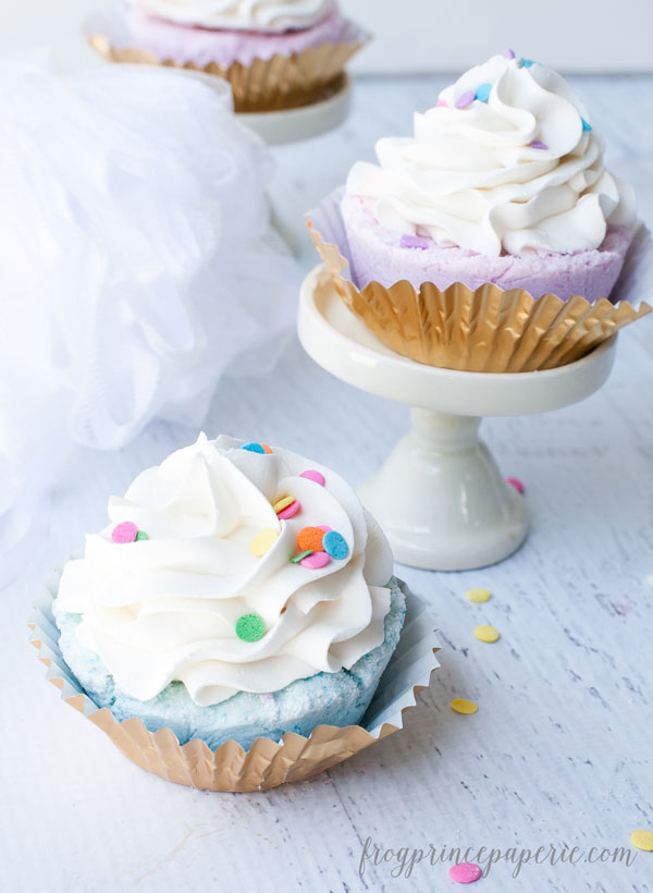 Fizzy-Cupcake-Bath-Bomb-Recipe-12