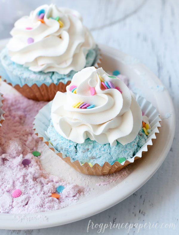 Fizzy-Cupcake-Bath-Bomb-Recipe-8