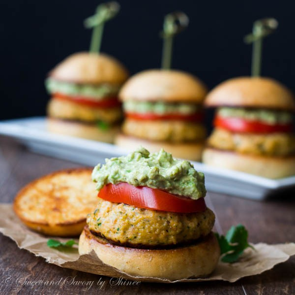 Salmon-Burger-Sliders