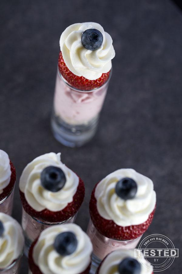 Strawberry-Cheescake-Mouse-Parfaits-Top