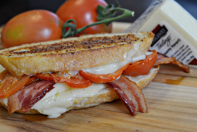 Creamy-Havarti-Garlic-Bacon-Grilled-Cheese-Sandwich