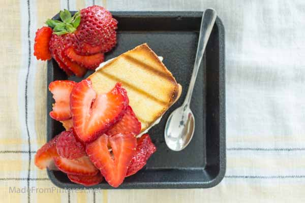 Grilled Strawberry Cheesecake Sandwich is like a whole new level of ...