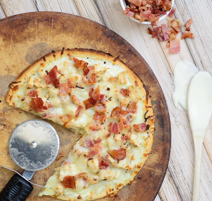 alfredo-bacon--flatbread