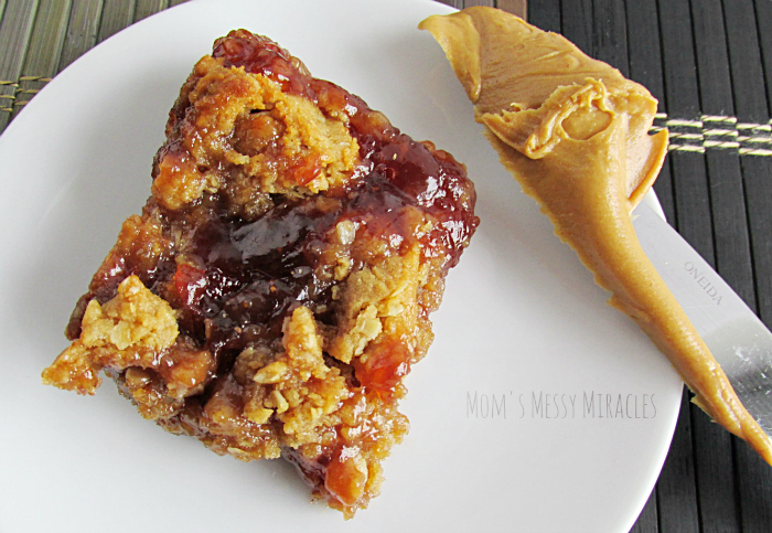 Peanut-Butter-Jelly-Oat-Bars