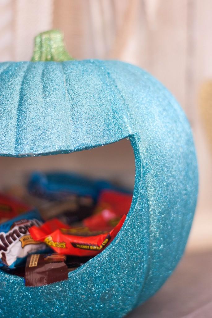 glitter-pumpkin-candy-holders