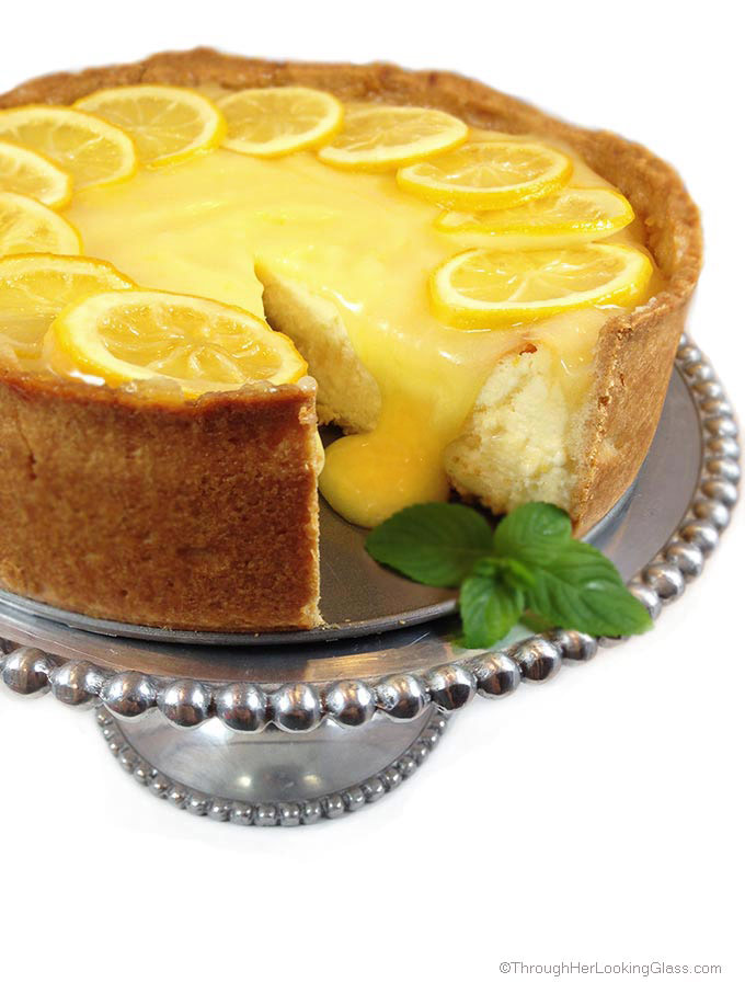 Spectacular Lemon Bar Cheesecake. Deliciously sweet and crunchy crust ...