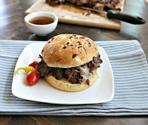 slow-cooker-beef-sandwich-vertical