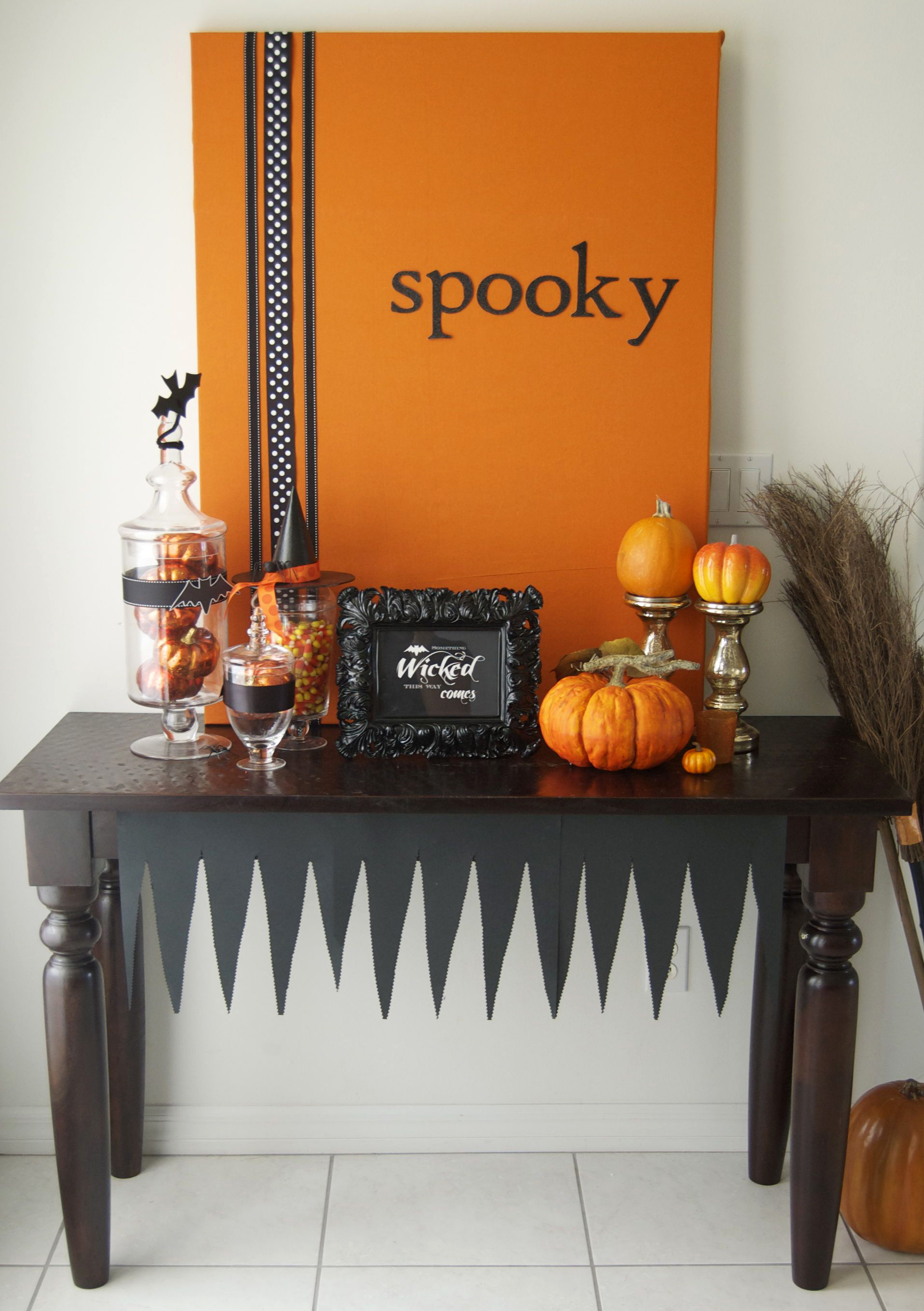 spooky-table