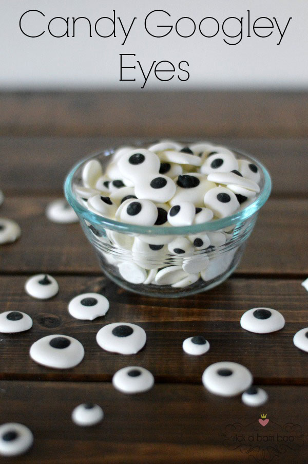 Sep 18,  · This quick and easy recipe will have you decorating all of your treats with homemade candy eyeballs before you know it! You may have noticed that there are a lot of fun Halloween ideas out there on Pinterest and your favorite blogs lately.5/5(1).