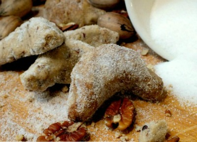 Maple pecan sandies from Restless Chipotle