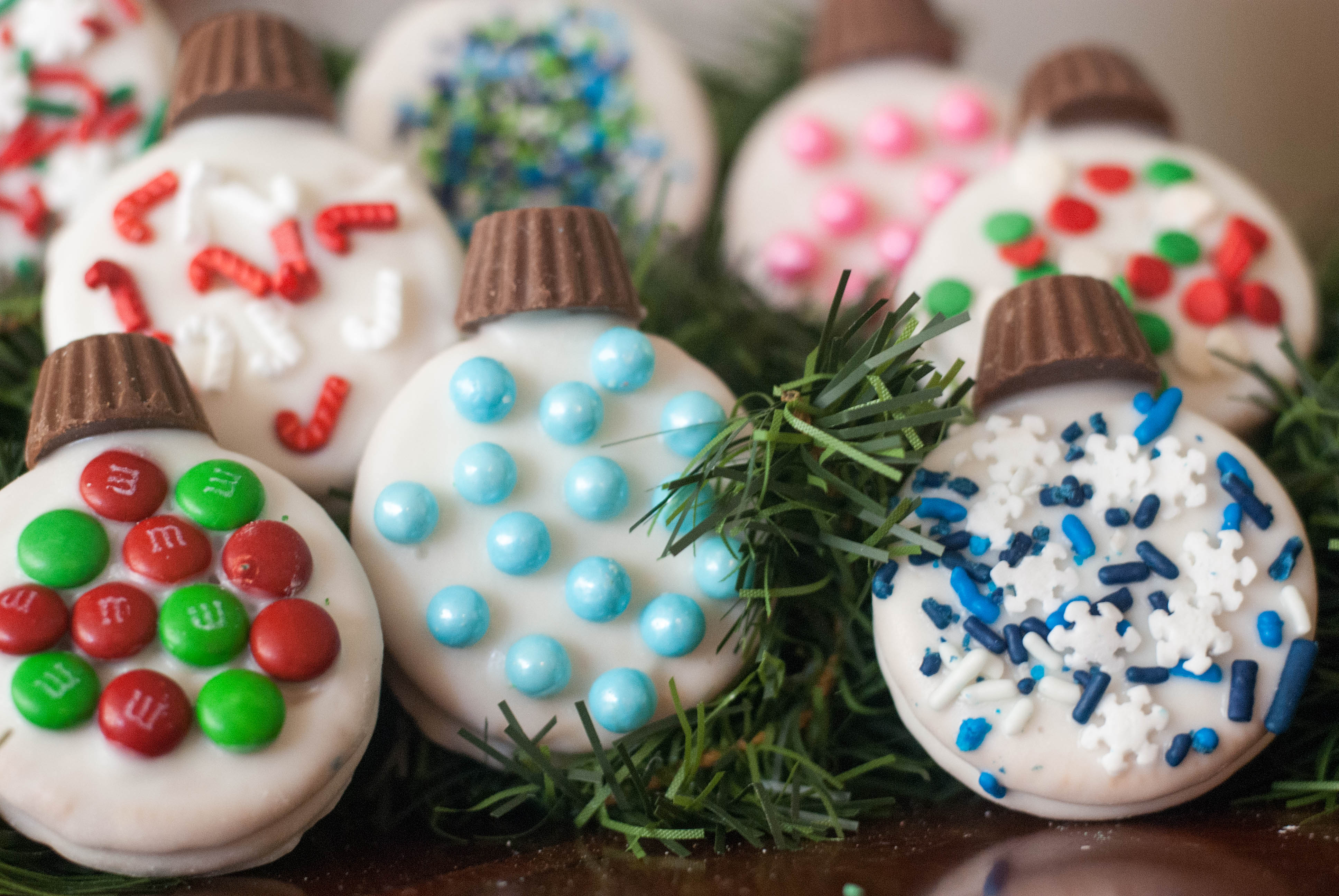 Looking for christmas ornaments - Are You Looking For A Super Easy Activity To Do With Your Kids Why Not