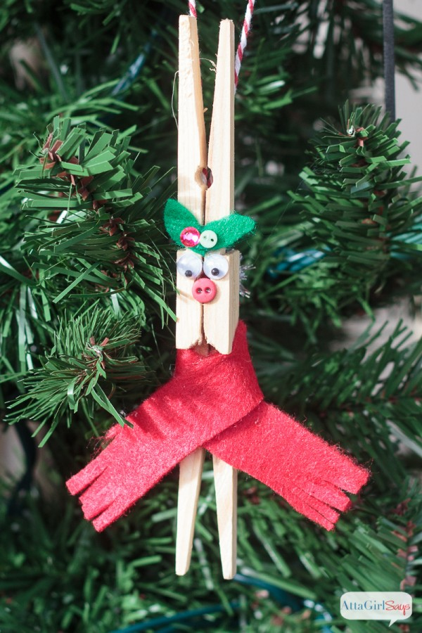 clothespin reindeer craft diy reindeer clothespin ornaments tgif this is 1329